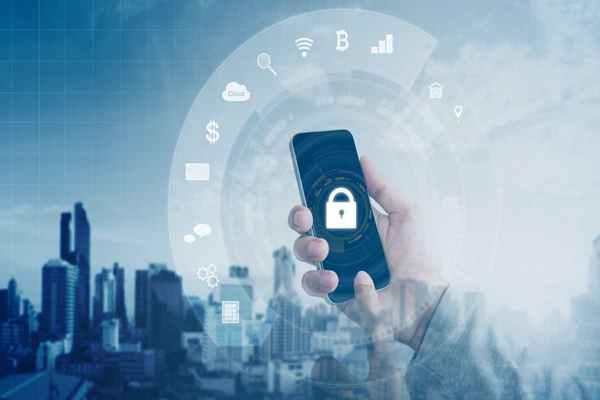 Jak zabezpieczyć swojego smartfona przed włamaniem?