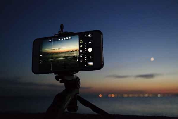 Chcesz robić jeszcze lepsze zdjęcia telefonem? Oto 10 akcesoriów, w które warto zainwestować