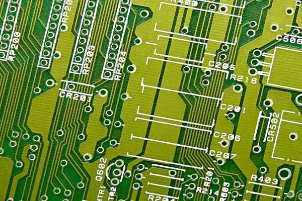 Dlaczego płytki PCB mają najczęściej zielony kolor?