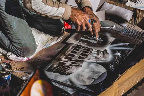 Kilka słów o artystach, czyli dlaczego warto zamawiać ręcznie malowane obrazy