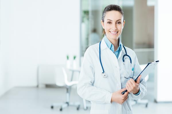 Lekarz pediatra – na NFZ czy prywatnie?