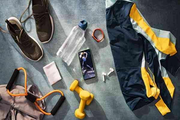 Flatshot i flatlay, czyli specyfika fotografii reklamowej odzieży